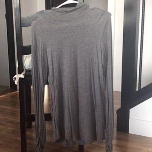 Heather gray long sleeve turtleneck shirt